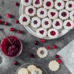Julesmåkager med vanilje og hjemmelavet tranebær marmelade