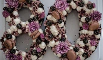 Chokolade talkage med brombærganache og vaniljecreme